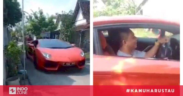 Viral Pria Pulang Kampung Naik Mobil Sport Mewah Netizen Pasti Digibahin Tetangga Indozone Id